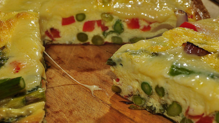 Asparagus and Sun-Dried Tomato Frittata