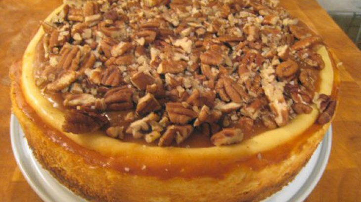 Butter Pecan Caramel Cheesecake