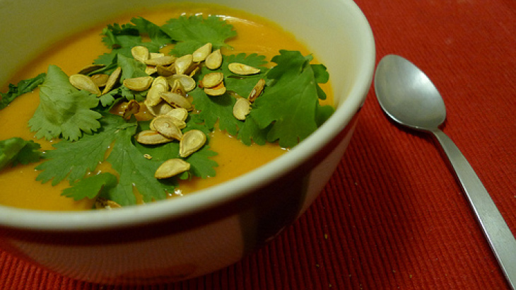 Crock Pot Curried Pumpkin Soup