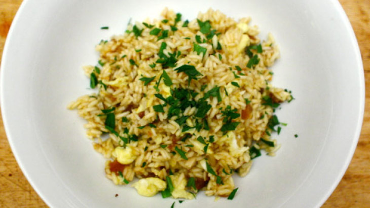 Dinner Tonight: Saffron Fried Rice with Dried Apricots and Almonds