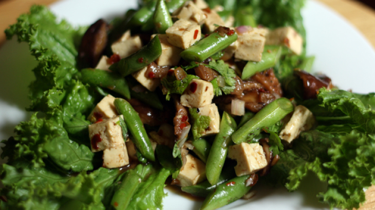 Dinner Tonight: Tofu, Green Bean and Shiitake Salad