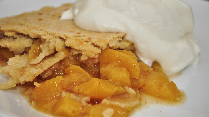 Easy Peaches 'n Cream Icebox Pie
