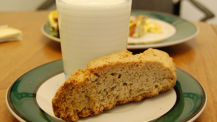 Lemon-Walnut Biscotti