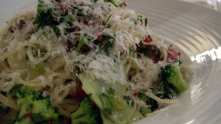 Linguine With Broccoli and Feta