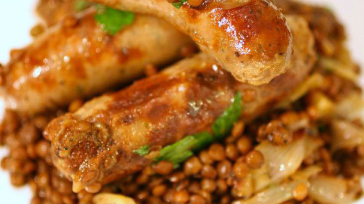 One-Pot Sausages and Lentils with Sweet Roasted Shallots