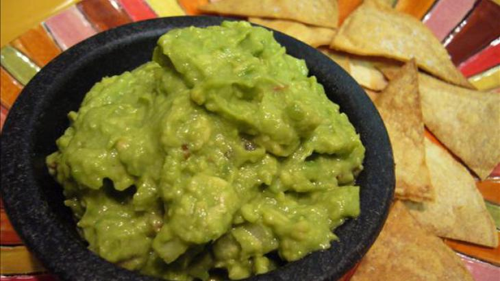 Rachael Ray's Garlicky Holy Guacamole!