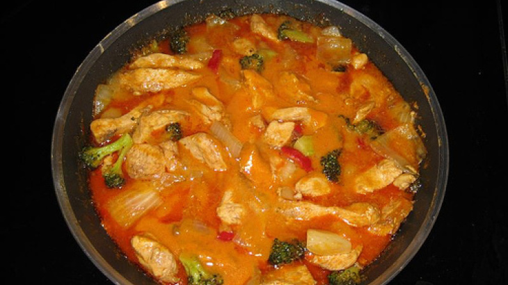 Slow Cooker/Crock Pot Thai Red Curry Chicken
