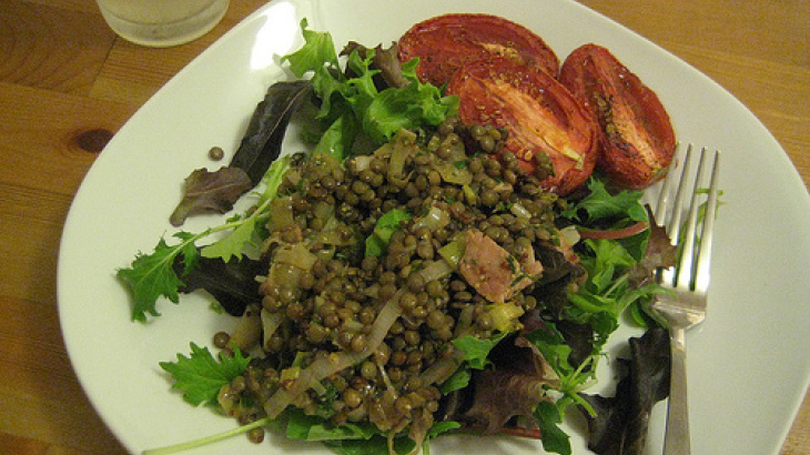 Soft Lentils With Roasted Tomatoes and Caramelized Onions