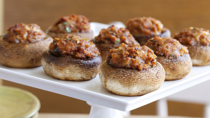 Stuffed Mushrooms (Hongos Rellenos de Chorizo)